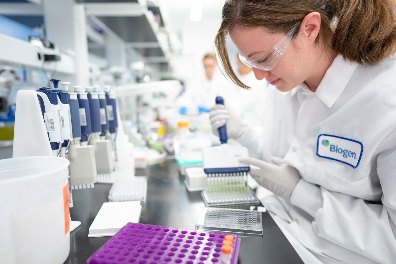 Hiệu quả của loại thuốc mới Aduhelm vẫn chưa được nghiên cứu đây đủ, nhưng theo FDA, sản phẩm có thể giúp ngăn ngừa tác nhân gây tiến triển bệnh Alzheimer's