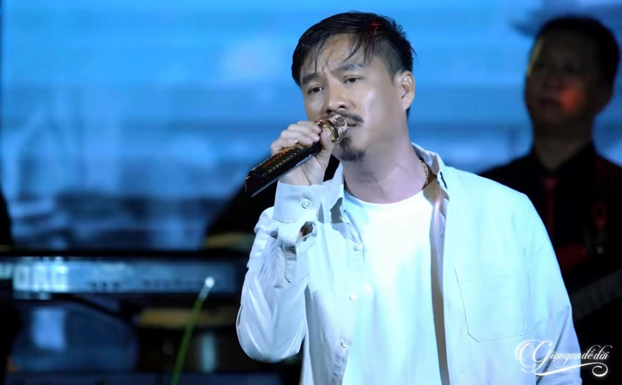 Quang Lập là giọng ca bolero nổi tiếng với kênh YouTube có hàng triệu người theo dõi