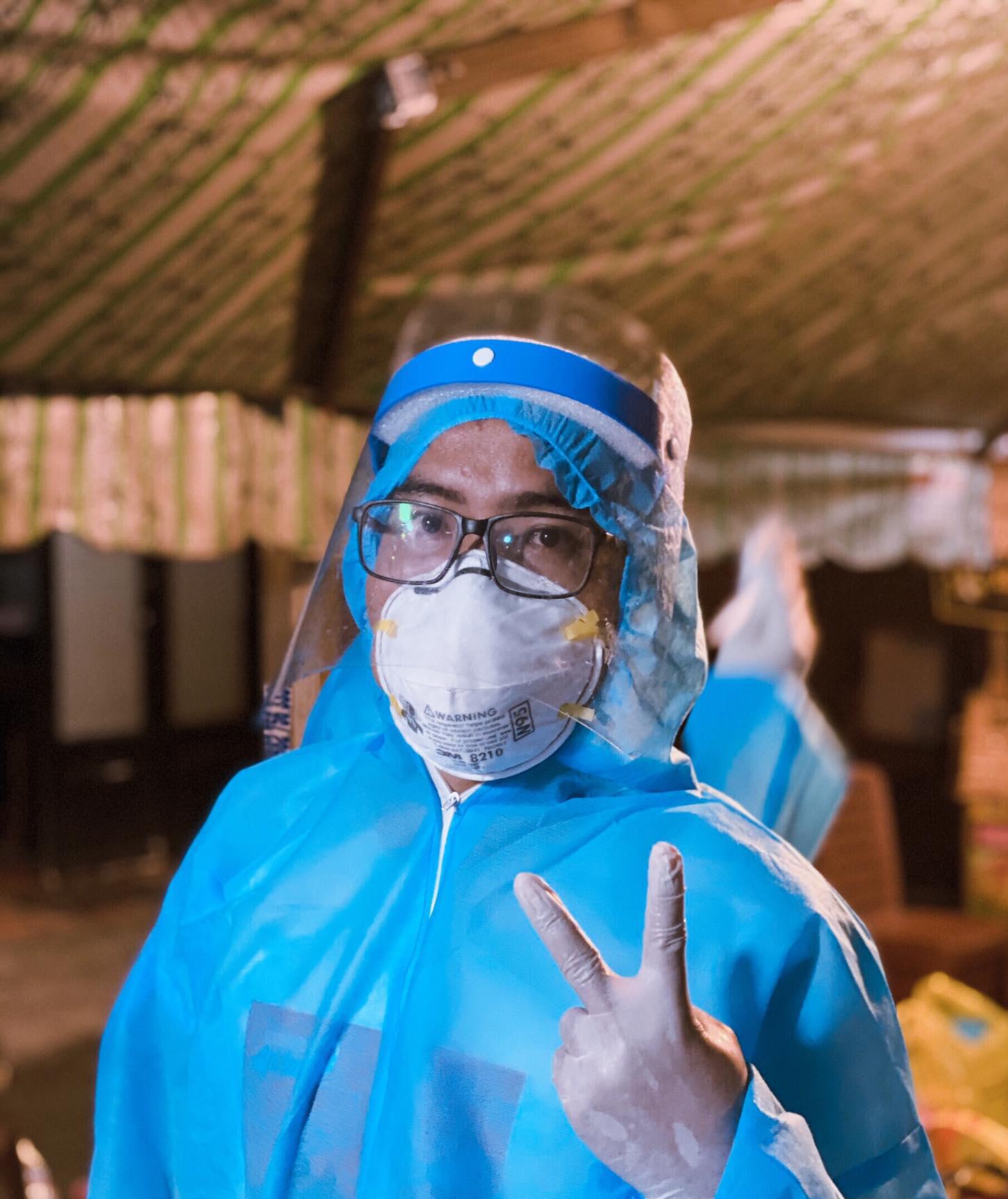 Đạo diễn Trần Minh Tuấn tham gia làm tình nguyện viên chống dịch