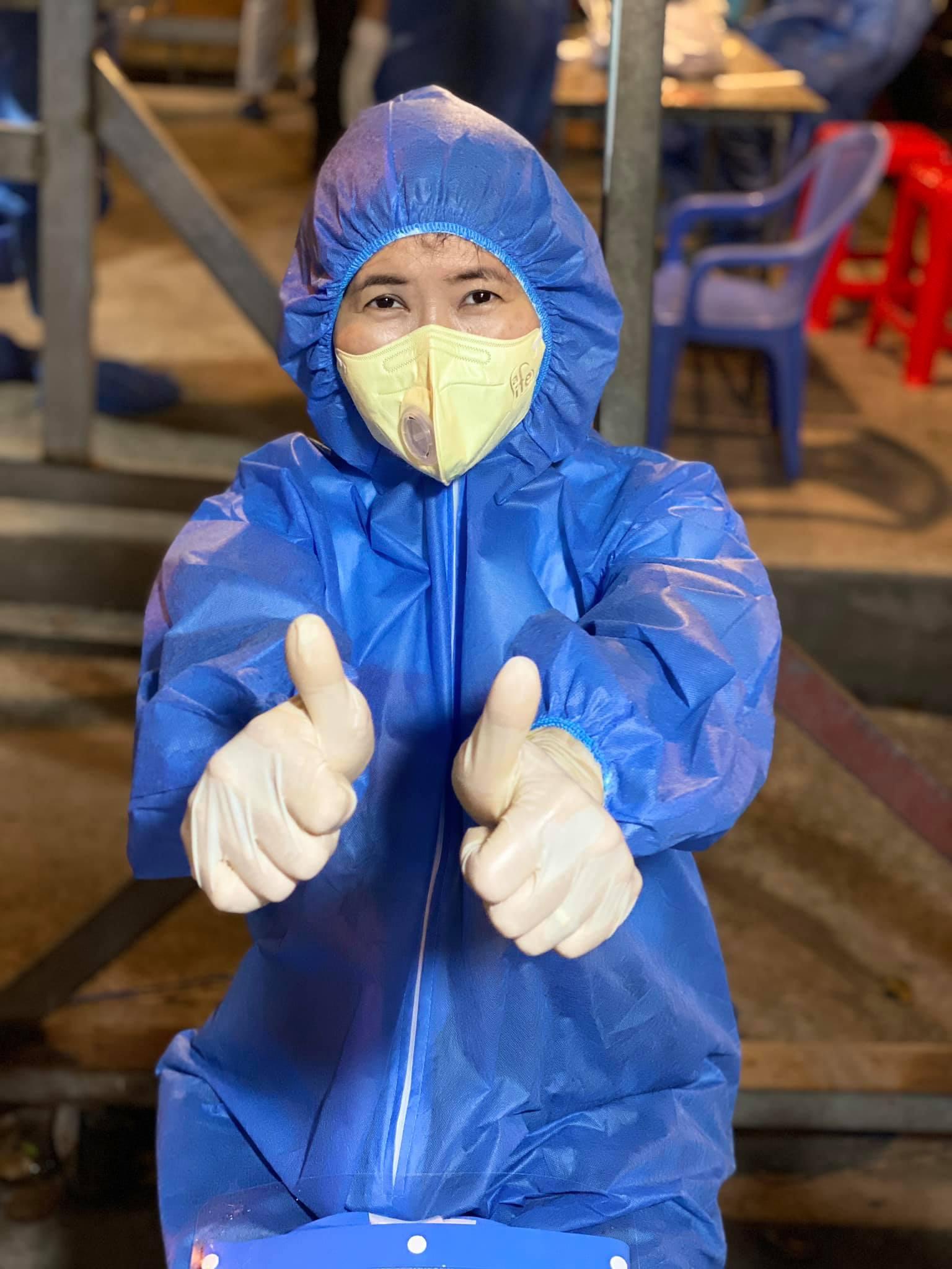 MC Quỳnh Hoa liên tục làm tình nguyện viên từ khi dịch bùng phát mạnh tại TPHCM