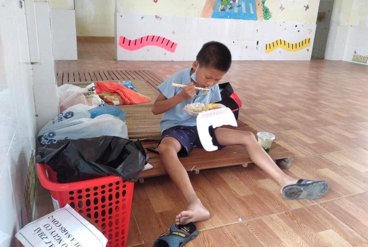 Phòng GD-ĐT huyện Thạch Hà cũng đang lên kế hoạch xin đưa giá sách vào khu cách ly để học sinh đọc