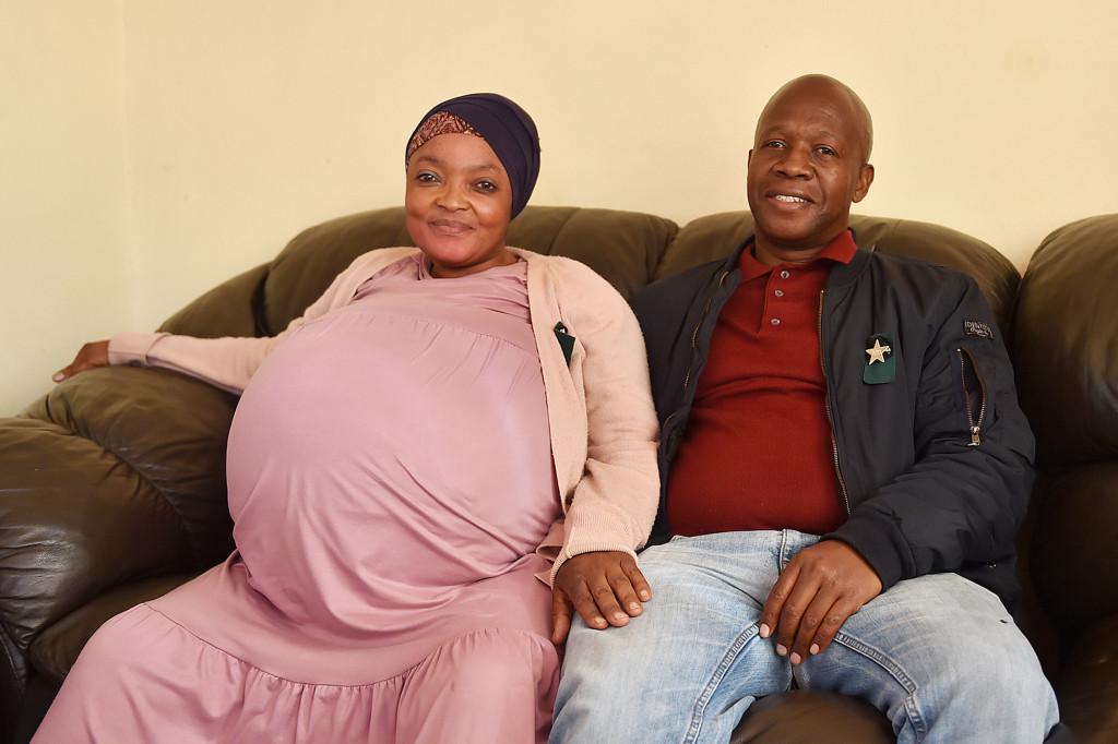 Sithole và chồng chụp ảnh trước khi sinh vào tháng trước