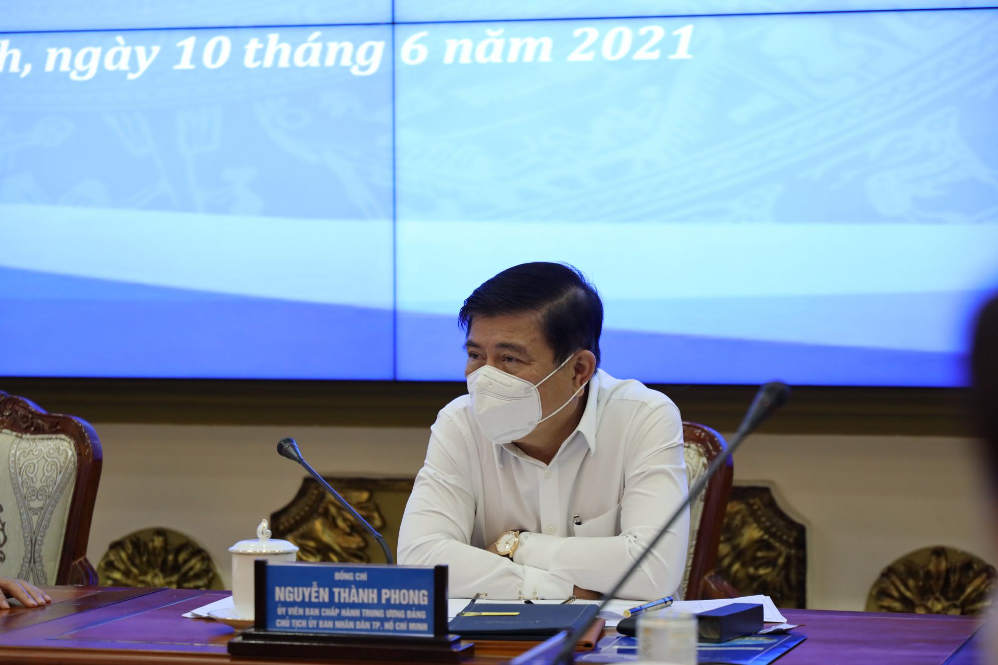 Chủ tịch UBND TPHCM Nguyễn Thành Phong khẳng định đeo bám các giải pháp hỗ trợ doanh nghiệp