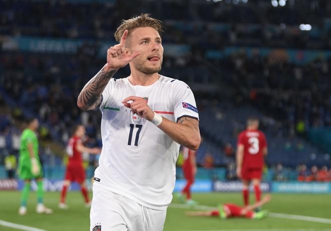 Với thắng lợi 3-0 trước Thỗ Nhĩ Kỳ, tuyển Ý dễ dàng giành 3 điểm trong ngày khai mạc, tạm vươn lên dẫn đầu bảng A, đánh dấu trận đấu mở màn với những màn tấn công mãn nhãn.