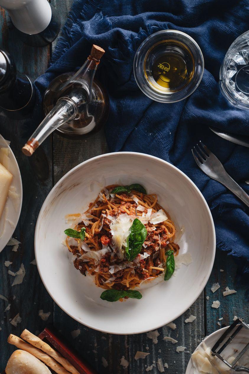 Khi nhắc đến ẩm thực Ý, đâu là món ăn khiến bạn không thể cưỡng lại được? Câu trả lời có thể phong phú nhưng chắc hẳn sẽ có sự xuất hiện của Mì Ý. Với các loại xốt đa dạng và được phủ cùng phô mai vụn béo ngậy, đây là món ăn được yêu thích của mọi người. Từ ngày 7 tháng Sáu, Basilico giới thiệu Pasta Promotion cho bữa trưa, với các món mì Ý trứ danh của chúng tôi, từ Carbonara, Bolognese hay All'amatriciana và Pesto Genovese