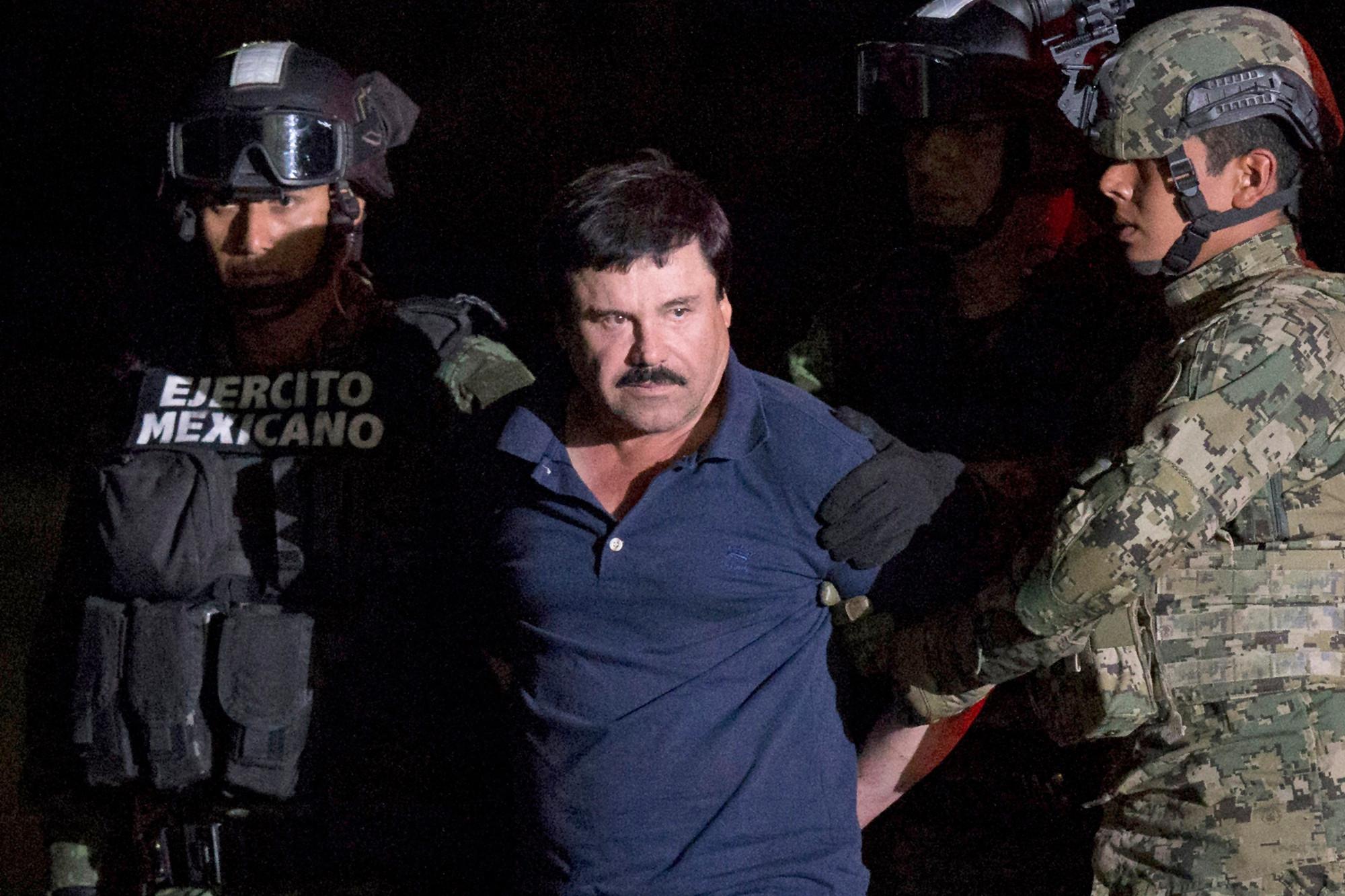 Ông trùm ma túy Mexico El Chapo Guzmán bị bắt giữ năm 2016 - Ảnh: AP