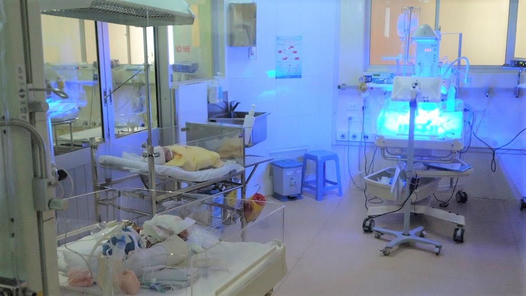 Trẻ sơ sinh nằm điều trị tại Khu chuyên sâu sơ sinh, BV Nhi đồng 1, TPHCM