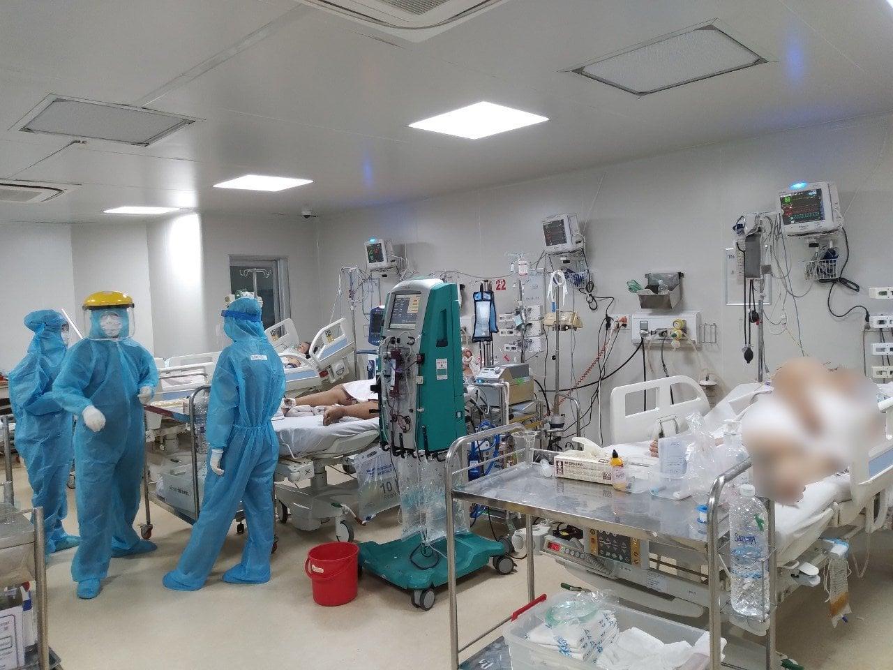 Nhân viên y tế tại BV Bệnh Nhiệt đới TPHCM.