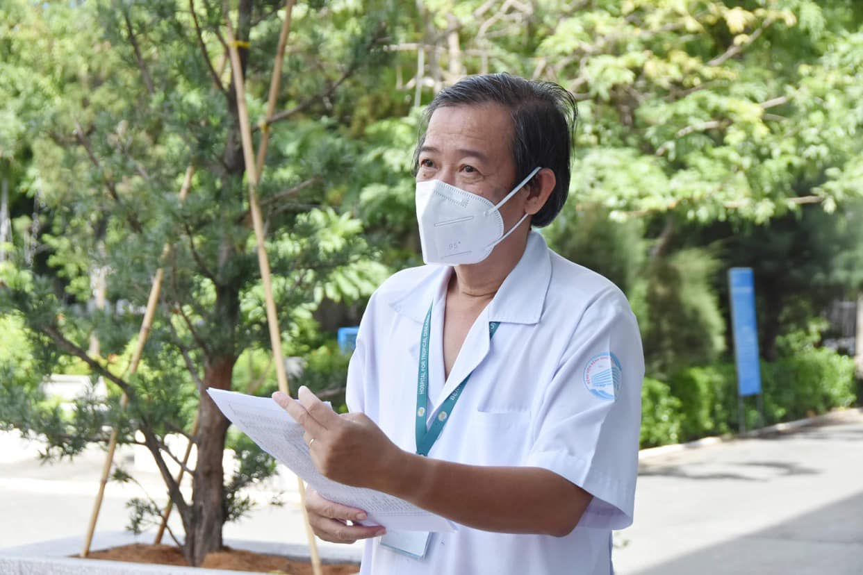 TS.BS. Nguyễn Văn Vĩnh Châu - GĐ BV Bệnh Nhiệt đới TPHCM. Ảnh: Khôi Nguyễn