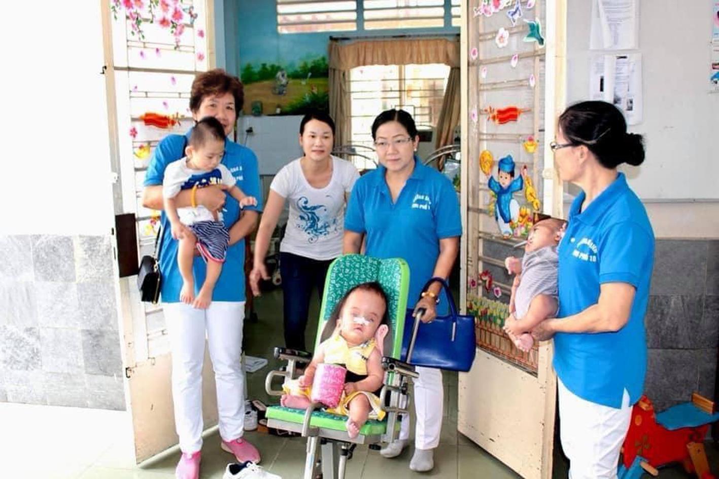 Với gia đình chị Xuân, hạnh phúc được tìm thấy ngay trong hoàn cảnh nghiệt ngã nhất
