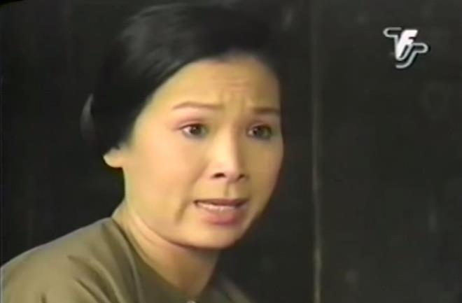 NSND Kim Xuân trong phim Người đẹp Tây Đô.