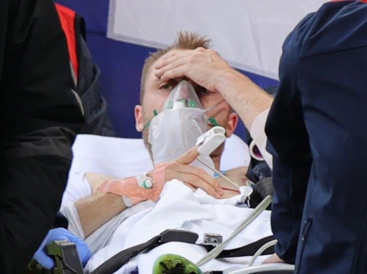 Sau khoảng thời gian cứu chữa khẩn cấp, phép màu đã xảy đến khi Christian Eriksen đã tỉnh táo trở lại, đội ngũ y tế nhanh chóng đưa anh rời sân và đến một bệnh viện gần đó.