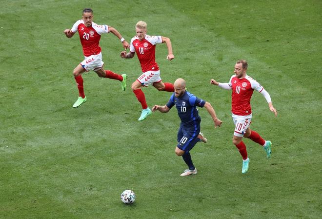 Rạng sáng 13/6, Liên đoàn Bóng đá châu Âu (UEFA) cũng thông báo trao giải cầu thủ hay nhất trận đấu giữa Đan Mạch và Phần Lan cho Christian Eriksen, dù anh chỉ chơi 43 phút. Bóng đá là một môn thể thao tuyệt vời và nó càng tuyệt vời hơn khi có Christian - Chủ tịch Liên đoàn Bóng đá châu Âu (UEFA), ông Aleksander Ceferin.
