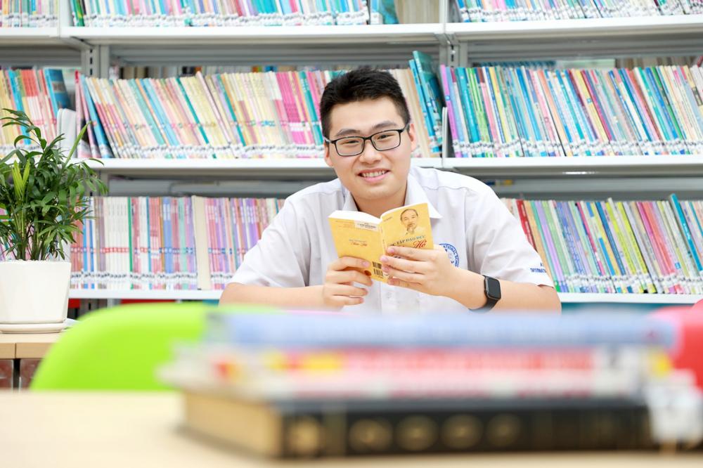 Steven Alex Yeo Jiang Jiang - cậu học trò ngoại quốc mê sử Việt
