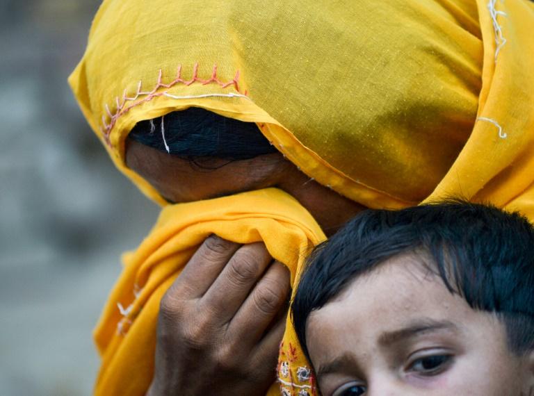 Vào năm 2019, hàng trăm trẻ em tại vùng quê nghèo của tỉnh Sindh được xác nhận dương tính HIV
