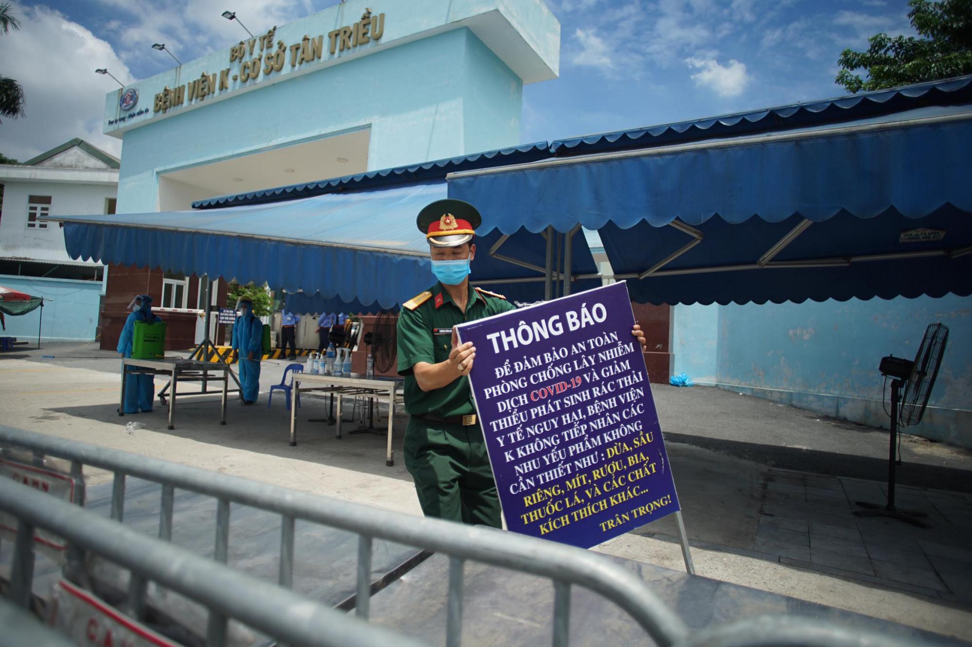 Bệnh viên K cơ sở Tân Triều gỡ phong tỏa sau hơn 1 tháng chống COVID-19