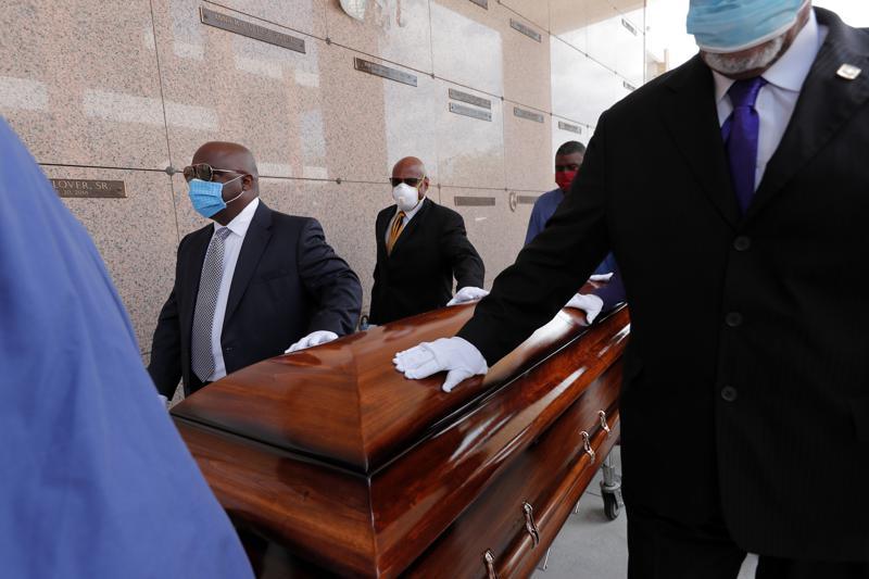 Mỹ vượt mốc 600.000 ca tử vong vì COVID-19, cảnh báo sự bất bình đẳng