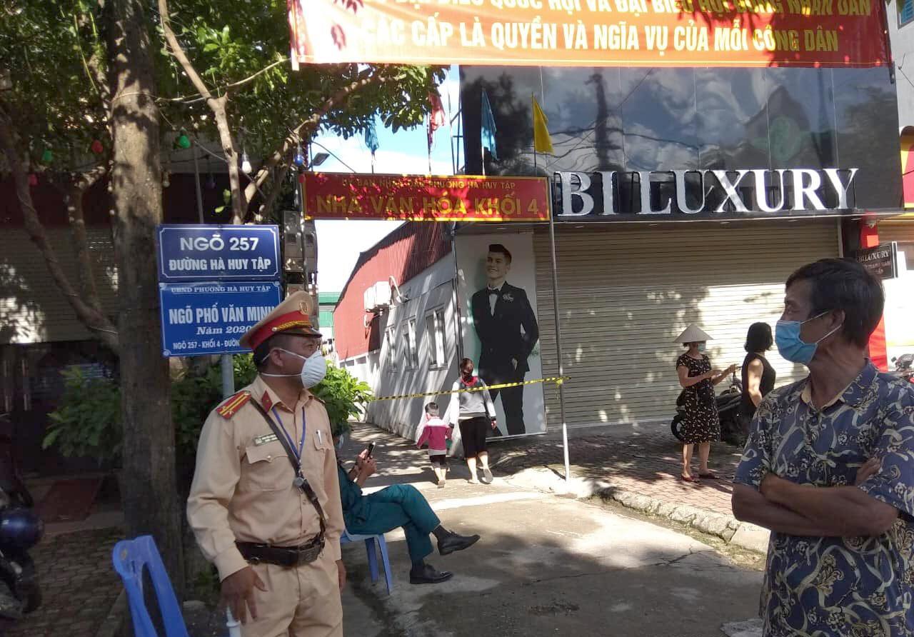 Phong tỏa tạm thời một phần phường Hà Huy Tập, nơi ca nghi nhiễm tạm trú