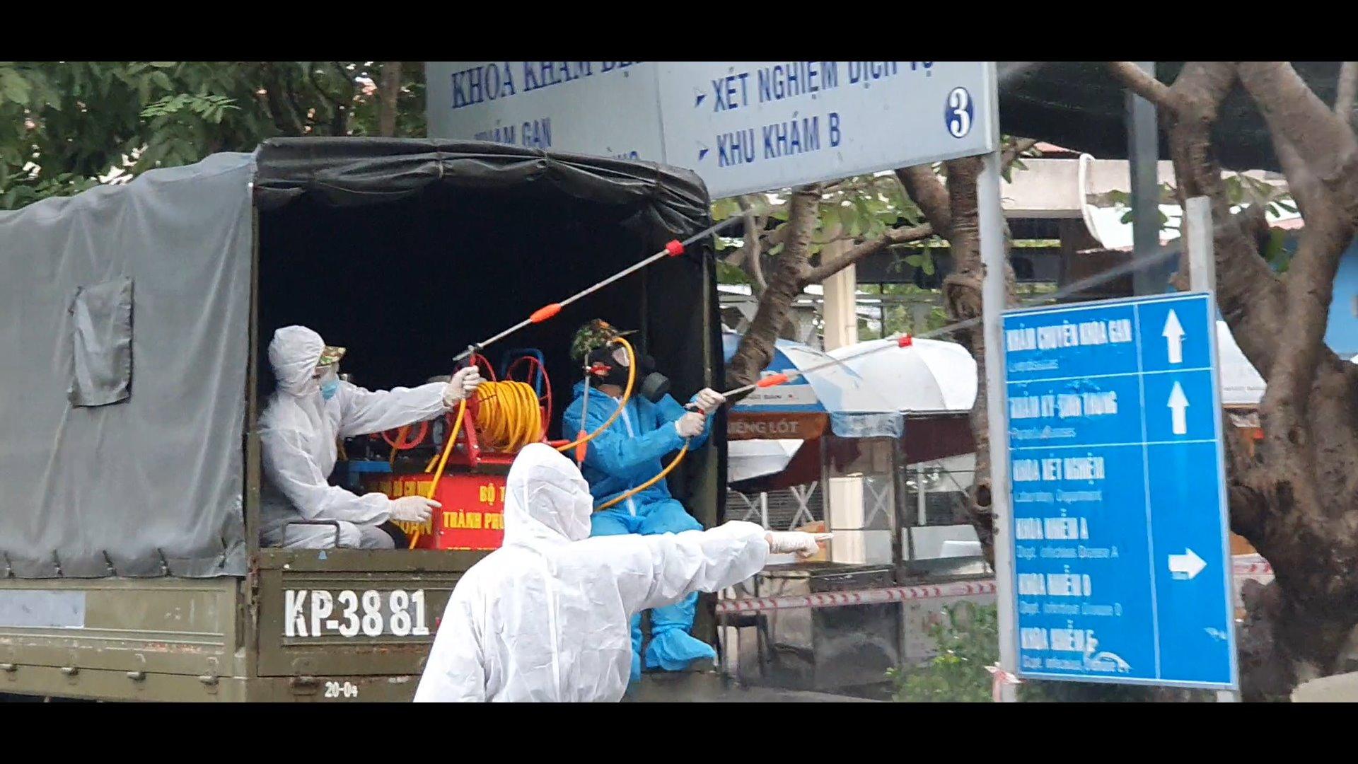Khử khuẩn tại BV Bệnh Nhiệt đới TPHCM