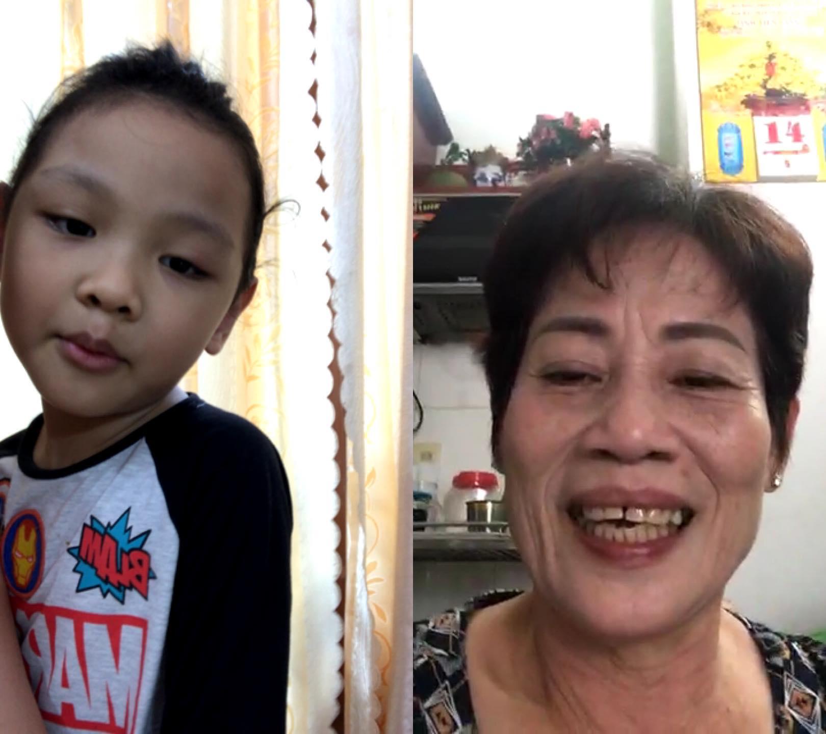 Niềm vui của bà ngoại là gọi video call với cháu cho đỡ nhớ