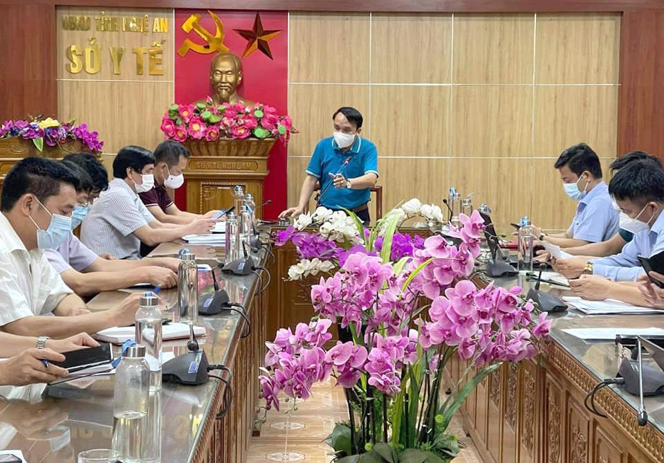 Sở Y tế Nghệ An tổ chức họp khẩn, triển khai công tác phòng chống dịch giữa đêm