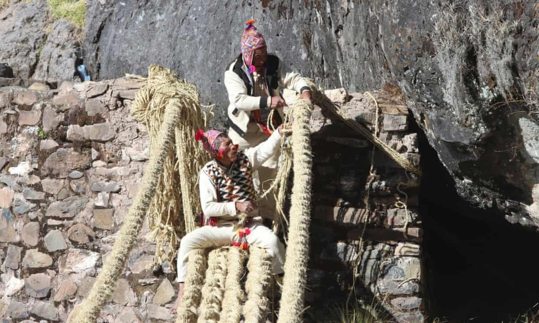 Kỹ thuật bện dây truyền thống của người dân địa phương ở đây đã được UNESCO vinh danh - Ảnh: Reuters