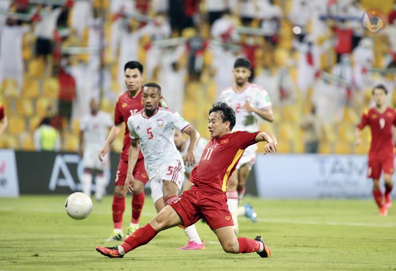 15 phút cuối trận, đội tuyển Việt Nam bất ngờ vùng lên mạnh mẽ và có được 2 bàn tháng trước UAE. Ảnh: Zing