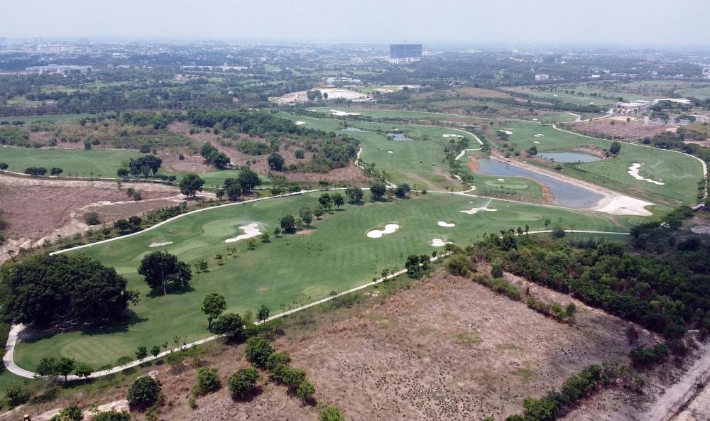 Một sai phạm khác xảy ra tại Tổng công ty 3-2 là việc góp 30% vốn bằng quyền sử dụng đất 145ha vào Công ty cổ phần đầu tư và phát triển Tân Thành (cạnh khu đất 43ha, cùng thuộc thành phố mới Bình Dương) để kinh doanh sân golf với hai đối tác Hàn Quốc.   Tuy nhiên, sau đó hai đối tác Hàn Quốc chưa góp đủ vốn đã rút khỏi liên doanh. Sau một hồi biến hóa, chuyển nhượng qua lại thì hai cổ đông cuối cùng sở hữu là Công ty TNHH Phát Triển (chiếm 32% cổ phần) và Công ty cổ phần Hưng Vượng (chiếm 38% cổ phần).  Điều đáng nói, Công ty Phát Triển lại có cổ đông chính và người đại diện pháp luật là con gái của ông Nguyễn Văn Minh (nguyên chủ tịch HĐQT Tổng công ty 3-2).
