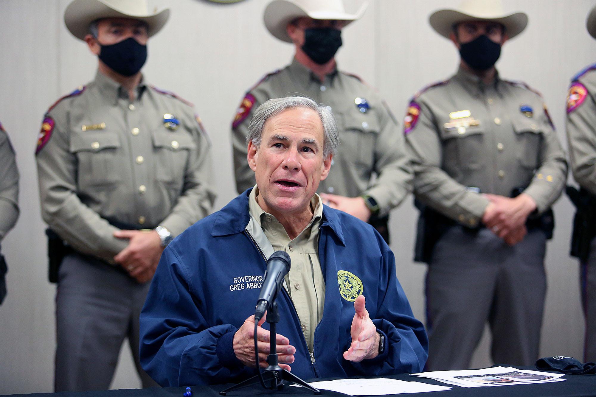 Ông Abbott sẵng sàng chi 250 triệu USD để xây tường biên giới Texas-Mexico - Ảnh: Joel Martinez/The Monitor via AP
