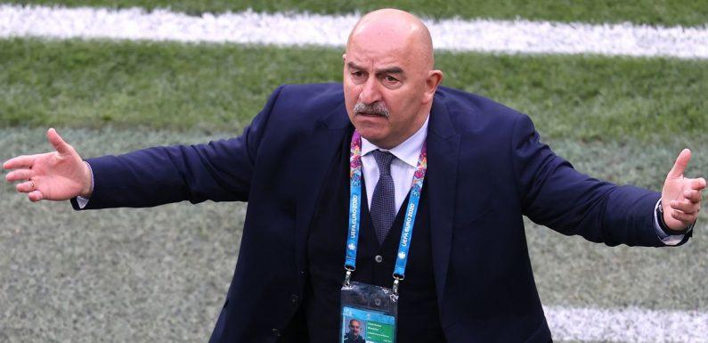 Stanislav Cherchesov cấm các người đẹp tiếp cận cầu thủ tại phong thay đồ trong khuôn khổ giải Euro 2020