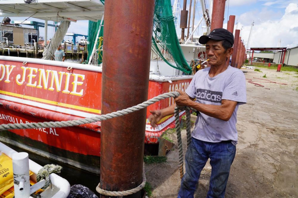 Thuyền trưởng tàu tôm Truc Le - Ảnh: AL.com