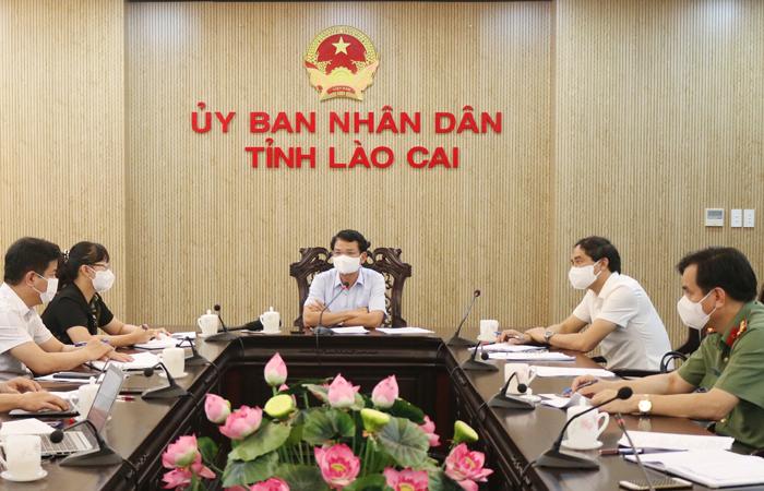 Bí thư Tỉnh ủy Đặng Xuân Phong, chủ trì cuộc họp