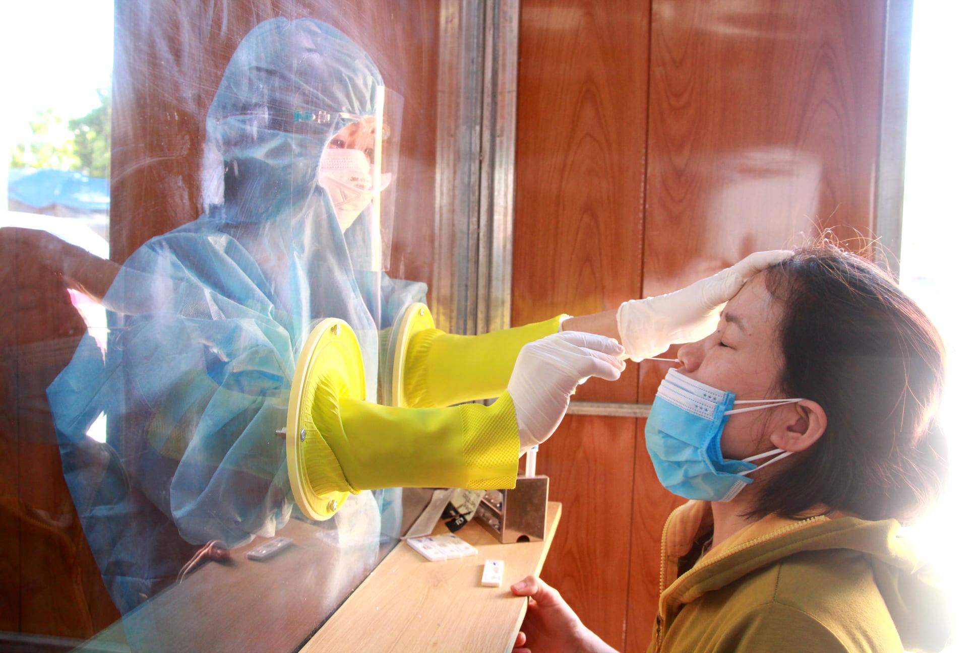 Nghệ AN ghi nhận 20 trường hợp dương tính với SARS-CoV-2