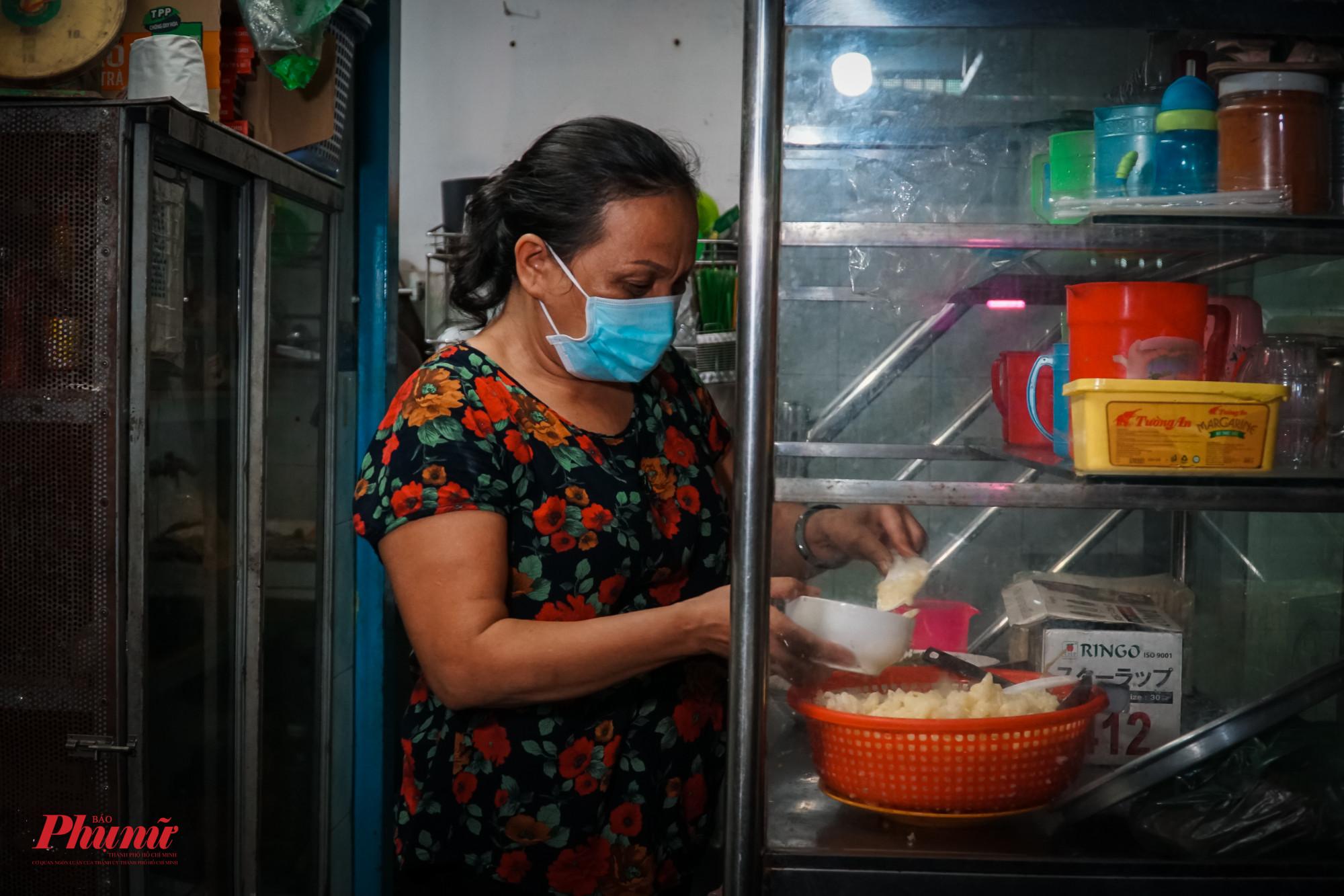 Chị Đinh Thị Thu Vân rất quan tâm đến đời sống của chị em thuê phòng