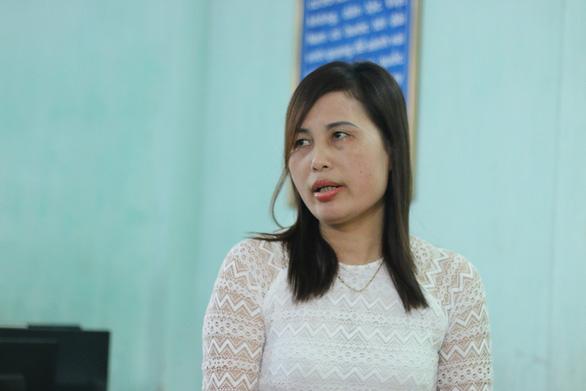 Cô giáo Nguyễn Thị Tuất, người có lá đơn dài 13 trang tố bị trù dập tại nơi mình công tác