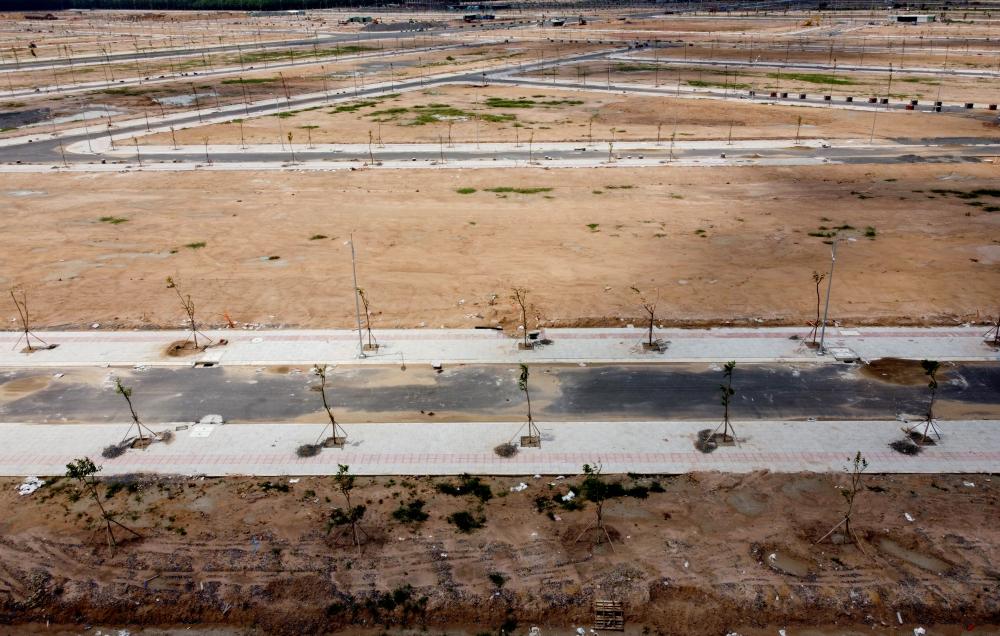 Những tuyến đường, khu đất đã hoàn tất đang được trồng cây xanh