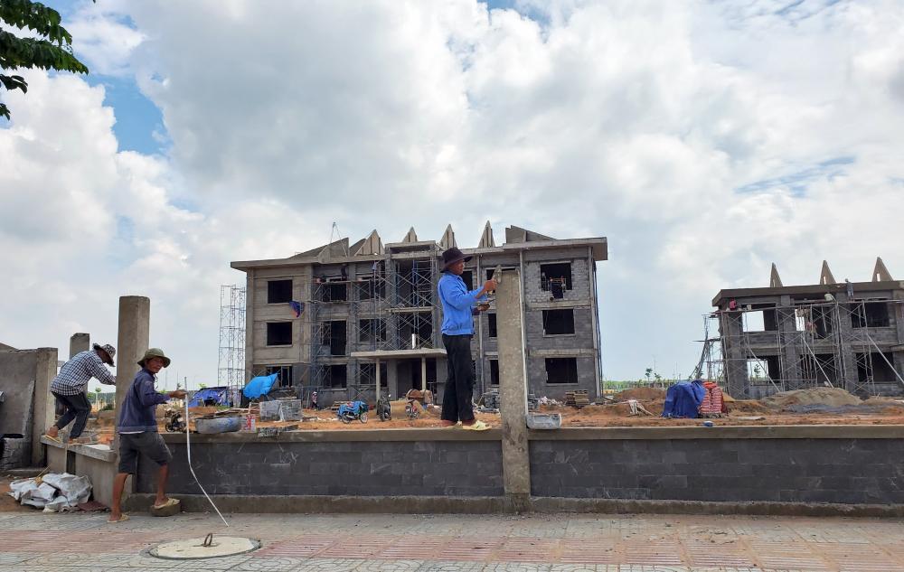 UBND xã Lộc An đang được xây mới trong khu TĐC
