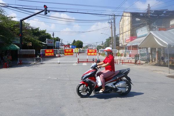 Trong một diễn biến khác, 0g tối 20/6 phường Tân Phước Khánh, thị xã Tân Uyên sẽ bị phong toả