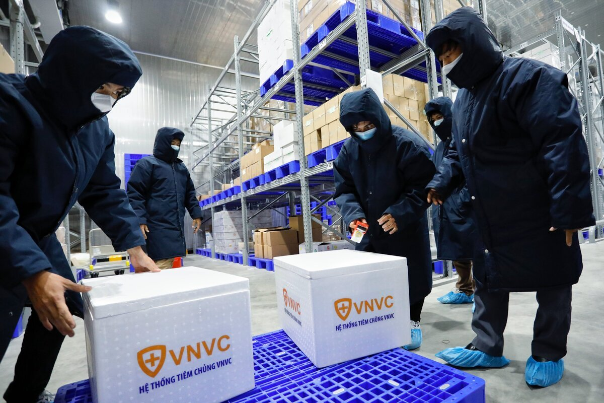 VNVC là đơn vị đầu tiên đến ở thời điểm này đặt mua thành công 30 triệu liều vắc-xin phòng COVID-19 về Việt Nam