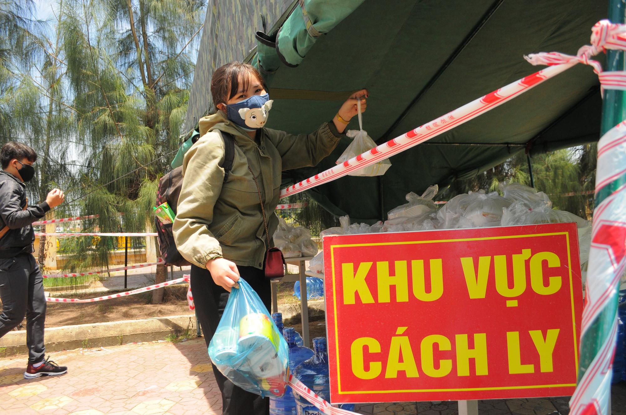 Cách ly tập trung đối với tất cả người dân từ TP. Hồ Chí Minh về Quảng Ngãi từ 12g hôm nay