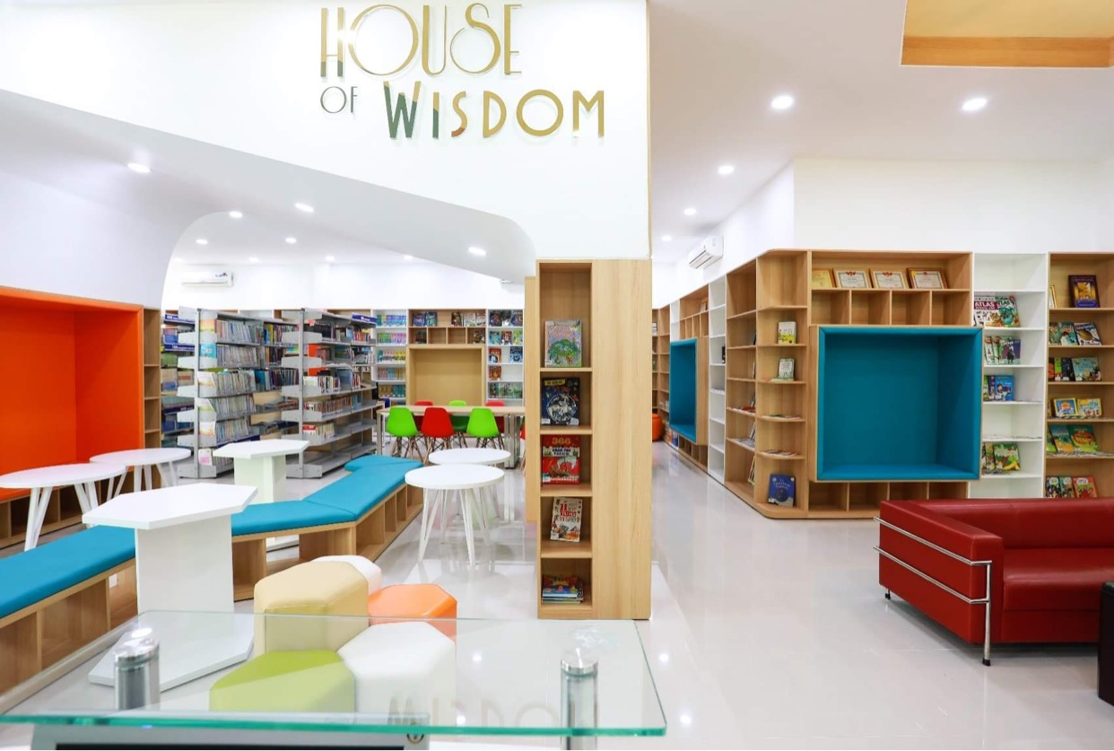 Asian School xây dựng mô hình thư viện sách và thư viện điện tử hiện đại theo hướng Learning Commons giúp học sinh dễ dàng tiếp cận tri thức toàn cầu.