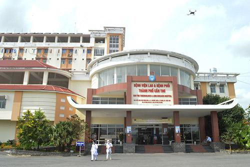 Nam sinh viên mắc COVID-19 đang điều trị tại Bệnh viện Lao và Bệnh phổi TP Cần Thơ