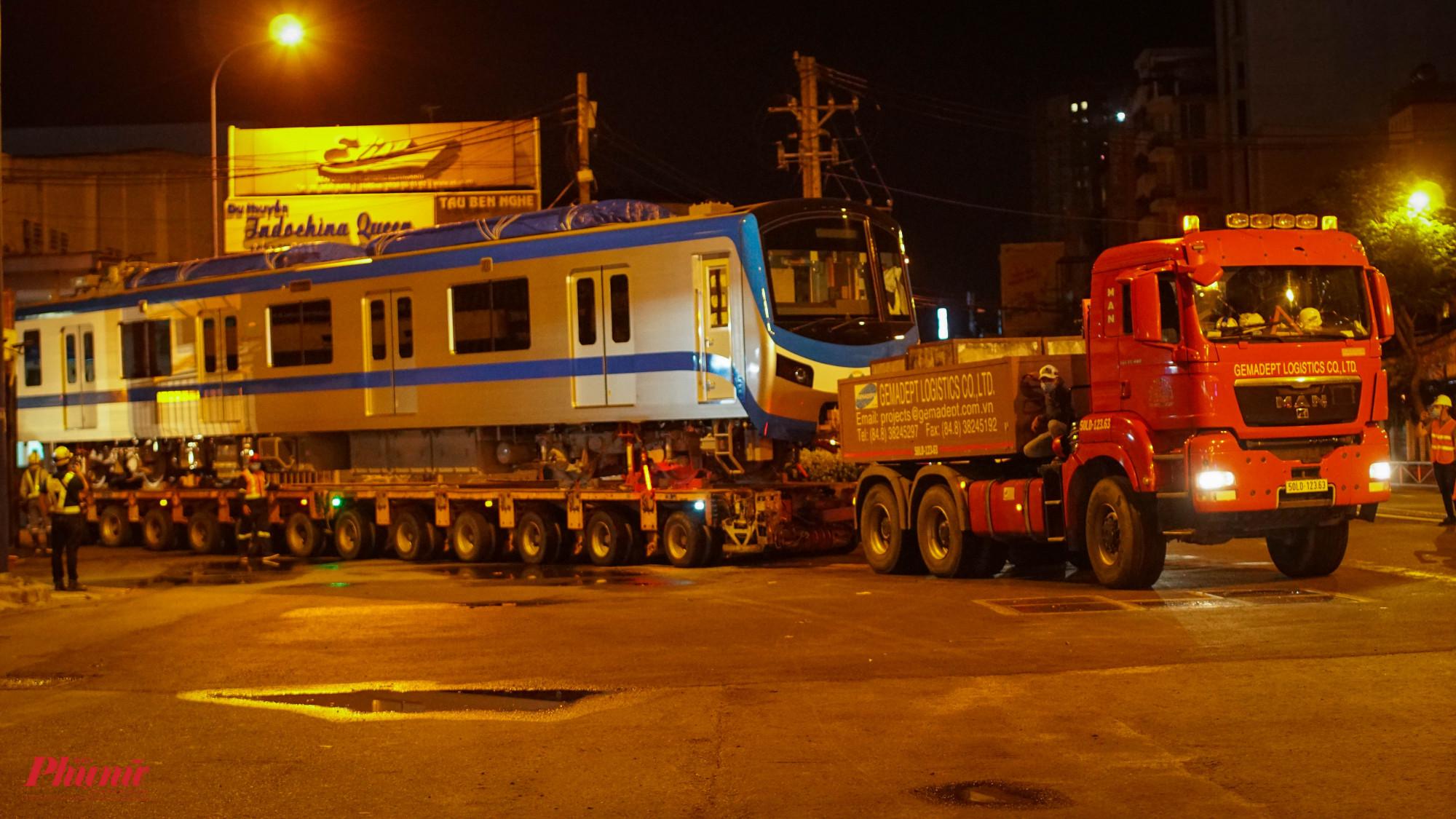 Rạng sáng nay (21/6), đoàn tàu đượchộ tống về Depto Long Bình
