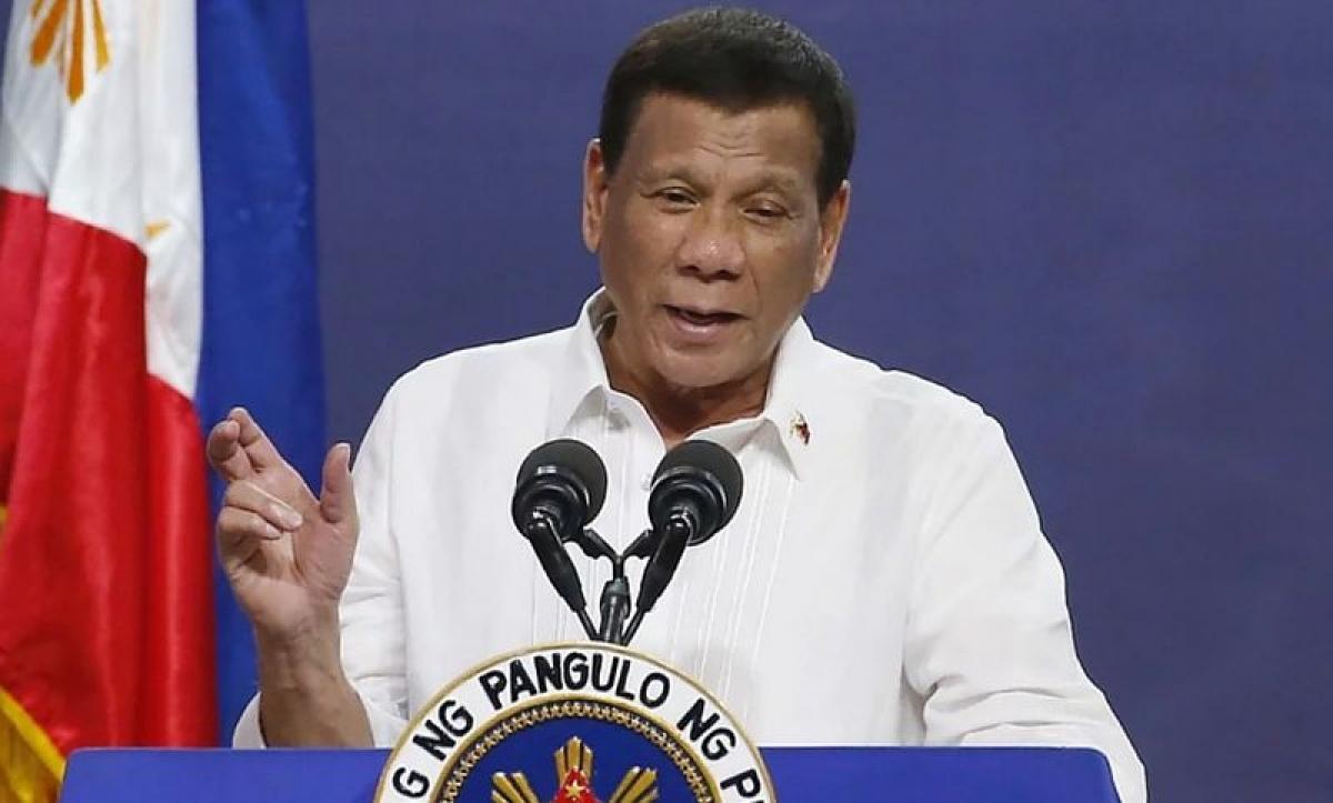 Tổng thống Rodrigo Duterte đe dọa sẽ bỏ tù những người từ chối tiêm vắc xin .