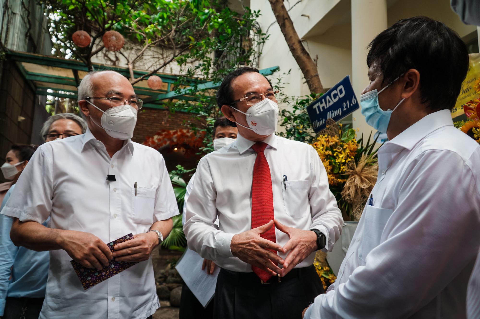 Bí thư Thành Ủy đề cao vai trò của phóng viên, nhà báo trong việc tuyên truyền dịch bệnh COVID-19