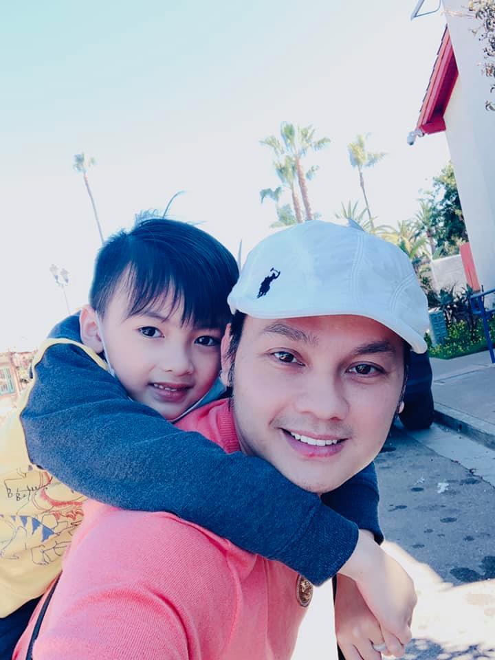 Nghệ sĩ Kim Tiểu Long và con trai