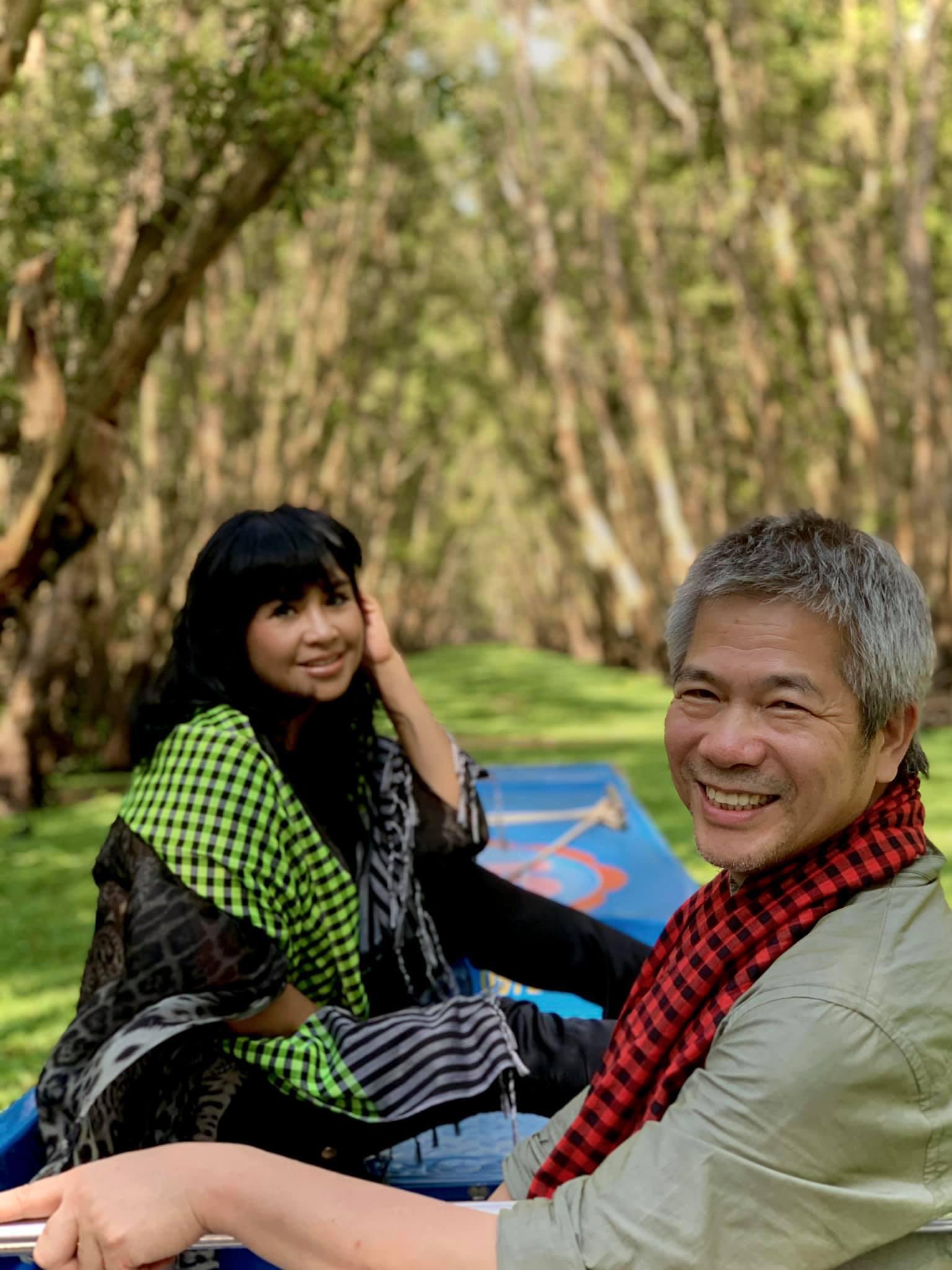 Thanh Lam và bác sĩ Tiến Hùng trong một chuyến du lịch