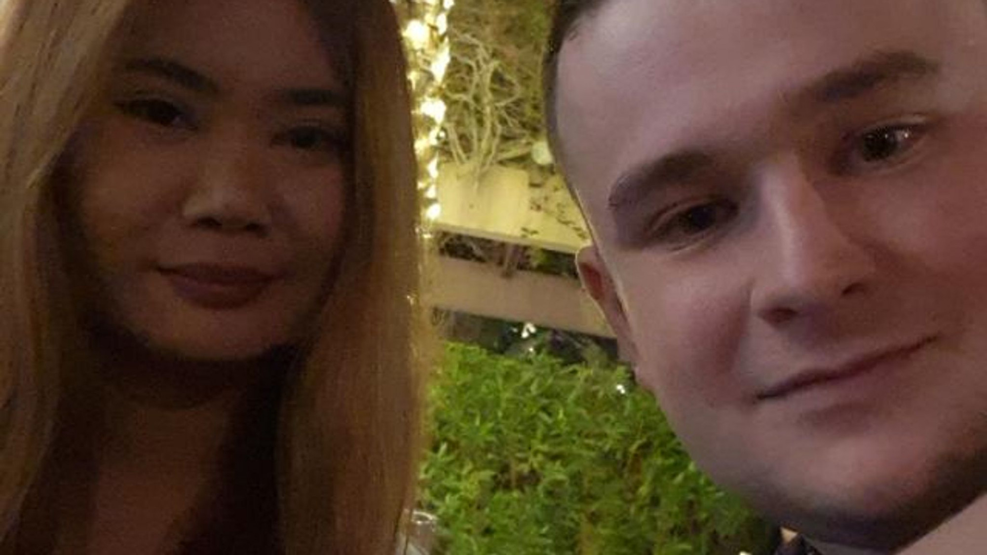 Đến bây giờ, anh chàng Jack vẫn chưa biết khi nào mới gặp lại cô bạn gái của mình ở Du Bai - Ảnh: Sky News