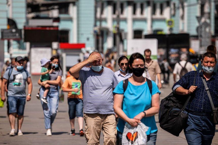 Bà nói thêm biến thể Delta, lần đầu tiên được phát hiện ở Ấn Độ, có khả năng lây nhiễm cao hơn các chủng khác, dự đoán vào khoảng cuối tháng 8 sẽ chiếm 90% các trường hợp nhiễm mới SARS-CoV-2 ở châu Âu.
