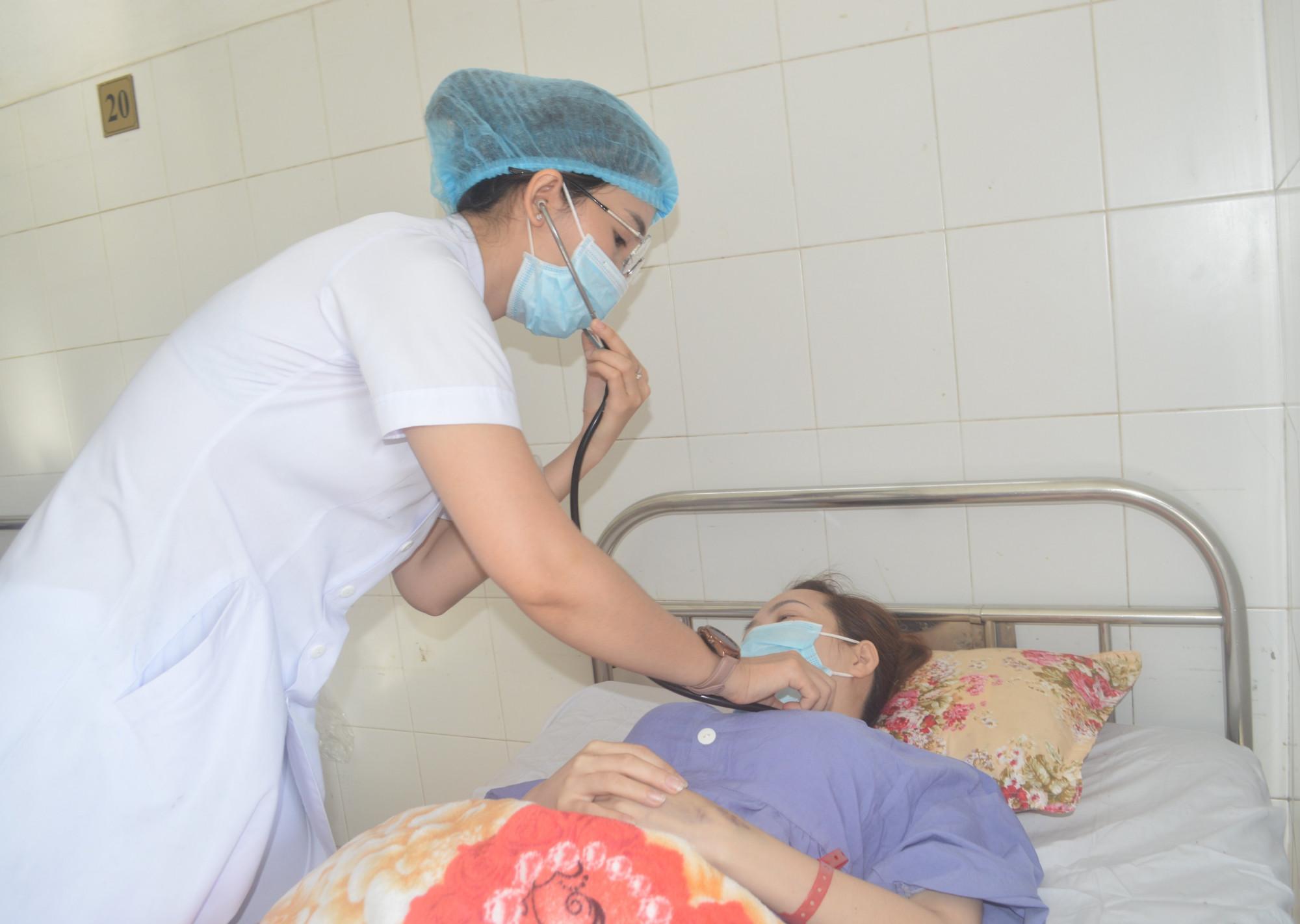 Sức khỏe đã ổn định, sản phụ B. mang thai ngoài tử cung dạng hiếm gặp chuẩn bị xuất viện